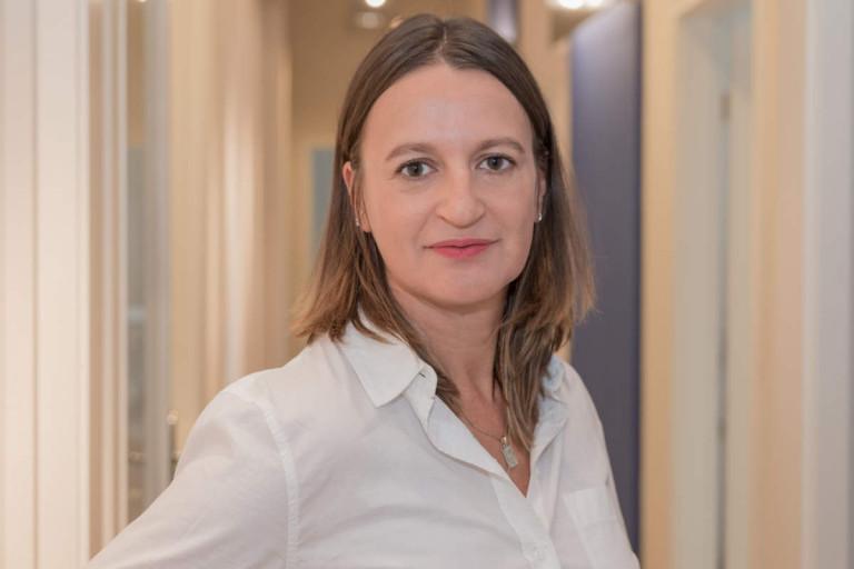 Porträtfoto Annett Hladil - Steuerfachangestellte